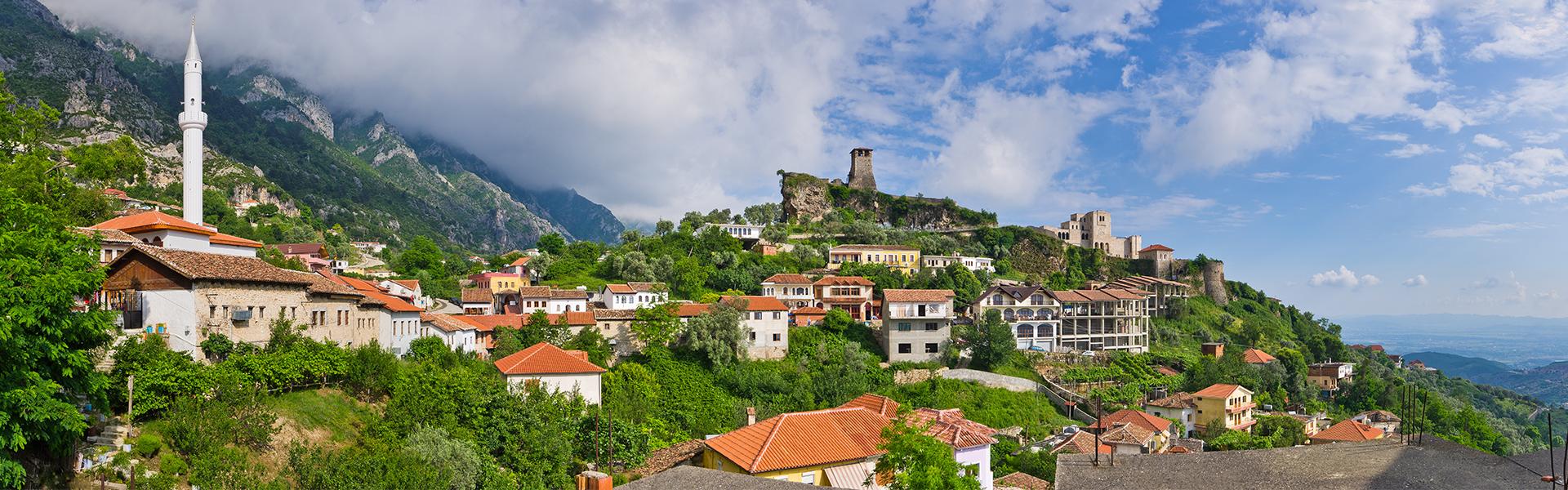 Kruja ancient ville, vue panoramique, voyages et vacances en Albanie