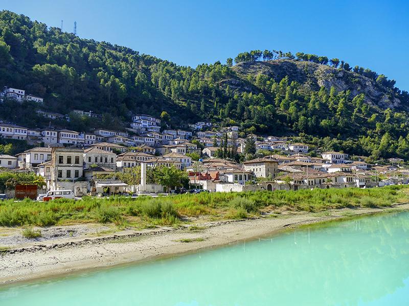 Berat, vue panoramique, voyage et vacances en Albanie