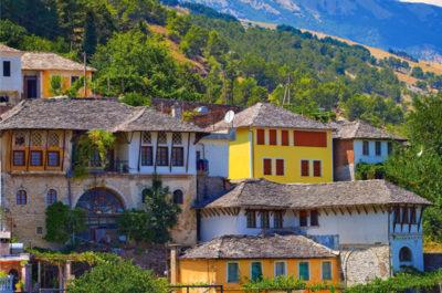 Maisons anciennes de Gjirokastër, Circuit, voyages et vacances en Albanie