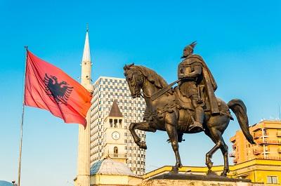 Tirana, place Skanderbeg,voyages et vacances en Albanie