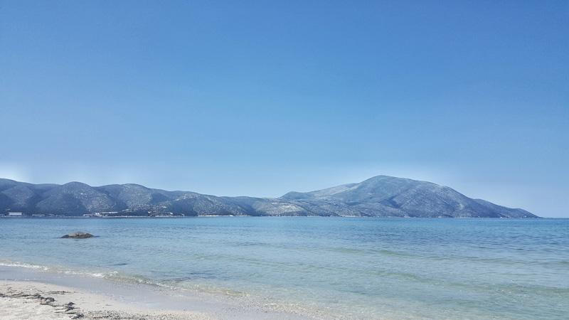 La plage de Orikum en Albanie, vacance avec la famille et les enfants en Albanie
